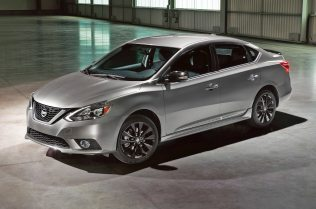 2017-nissan-sentra-midnight-edition-front-three-quarter